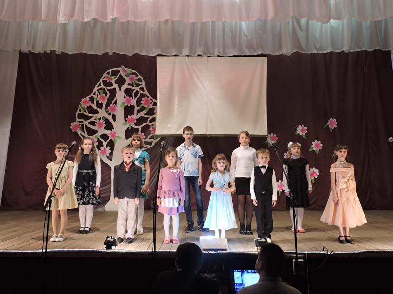 Члены в руках девушек 22 фотография